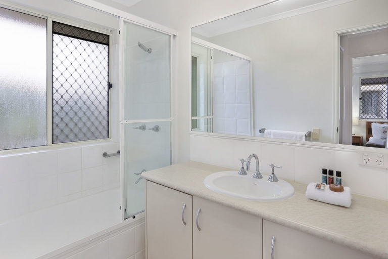 1200-2bed-villas-noosa-accommodation10