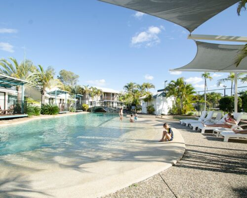 1200-3bed-poolside-noosa-accommodation1