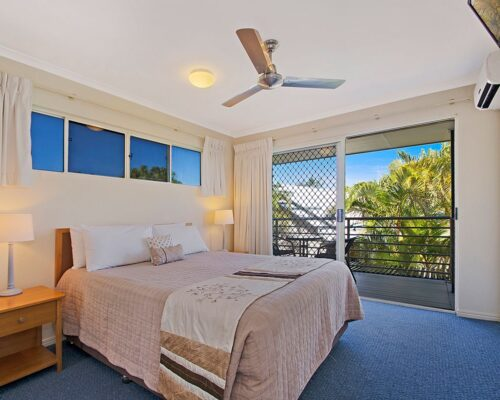 1200-3bed-poolside-noosa-accommodation12