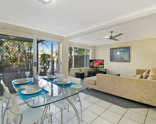 1200-3bed-poolside-noosa-accommodation14