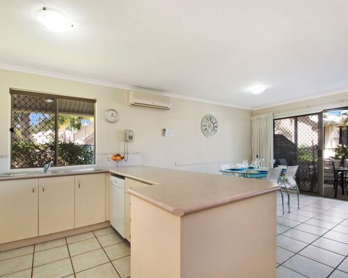 1200-3bed-poolside-noosa-accommodation19