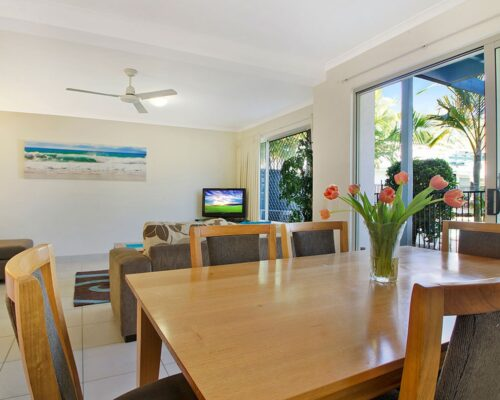 1200-3bed-poolside-noosa-accommodation7