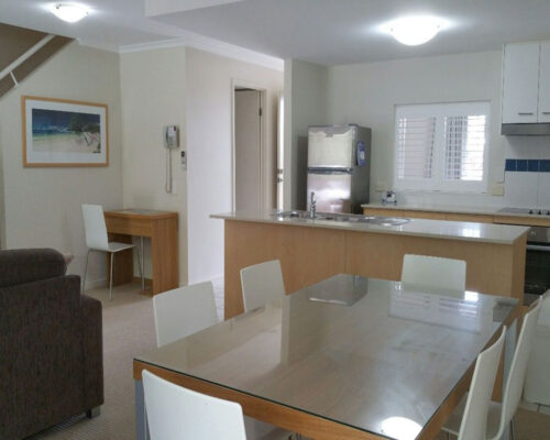 noosa-two-bedroom-apartment-for-sale-06