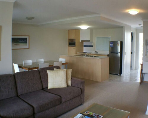 noosa-two-bedroom-townhouse-for-sale-022