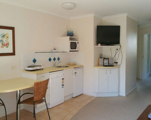 noosa_one_bedroom_villa_style_apartment_for_sale_02