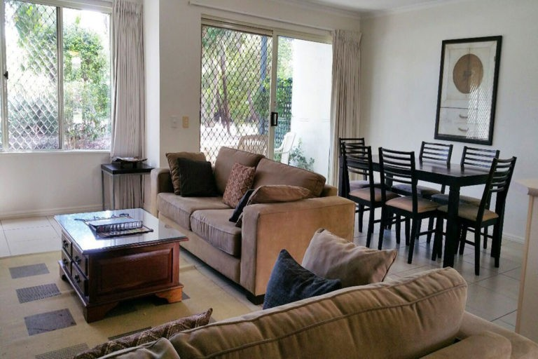 noosa_three_bedroom_townhouse_for_sale_04