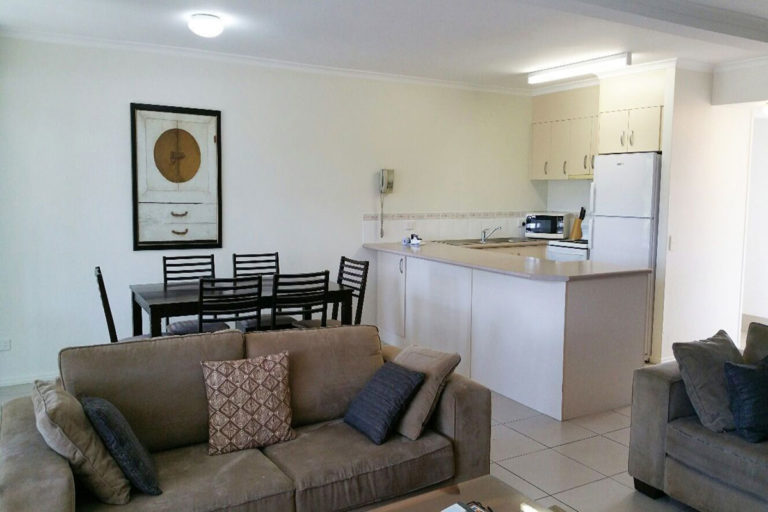 noosa_three_bedroom_townhouse_for_sale_06