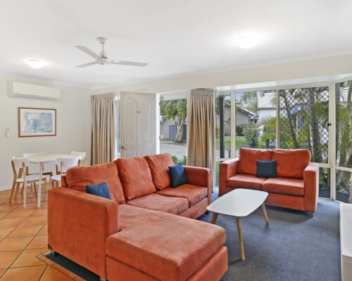 noosa_two_bedroom_villa_fully_furnished_for_sale_02