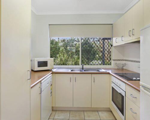 noosa_two_bedroom_villa_fully_furnished_for_sale_03