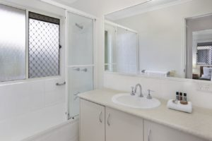 noosa_two_bedroom_villa_fully_furnished_for_sale_05