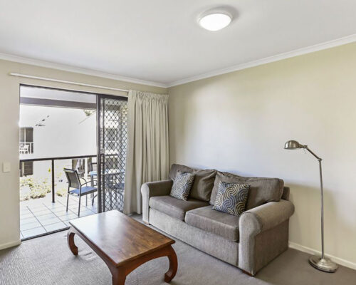 townhouse-for-sale-on-noosa-river-01