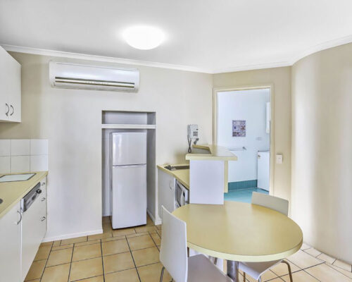 townhouse-for-sale-on-noosa-river-03